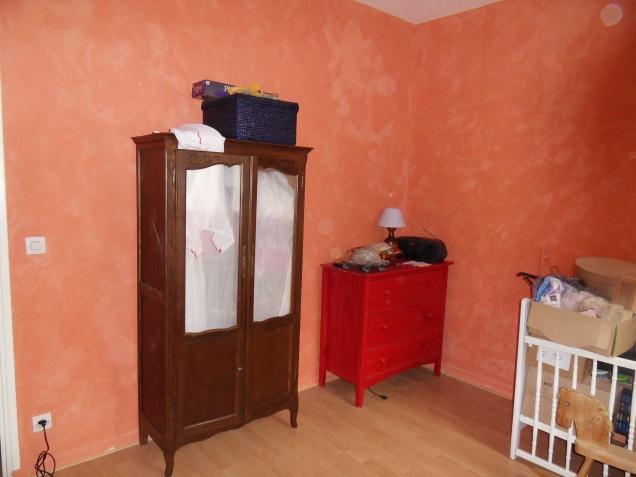 Amoire et chambre avant